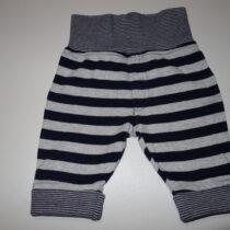 Kalhoty, velikost 0-3 měsíce, cp 390